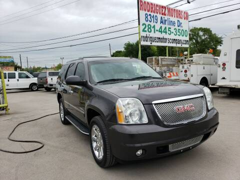 2011 GMC Yukon for sale at RODRIGUEZ MOTORS CO. in Houston TX