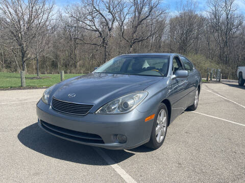 2005 Lexus ES 330 for sale at Ideal Cars in Hamilton OH