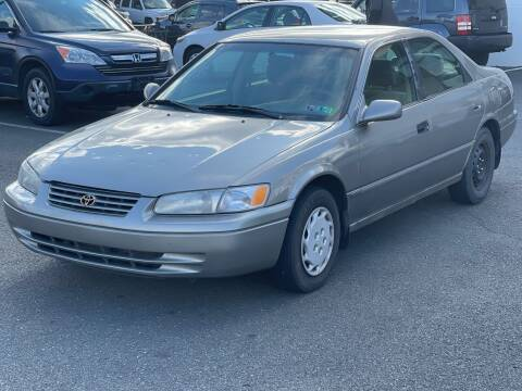 1998 Toyota Camry for sale at MAGIC AUTO SALES in Little Ferry NJ