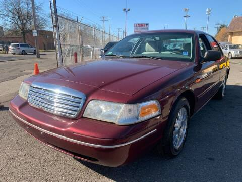 2005 Ford Crown Victoria for sale at L.A. Trading Co. Detroit in Detroit MI