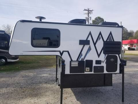 2021 TRAVEL LITE 625SL TRUCK CAM for sale at Dukes Automotive LLC in Lancaster SC