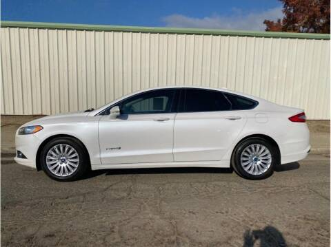 2013 Ford Fusion Hybrid for sale at Dealers Choice Inc in Farmersville CA