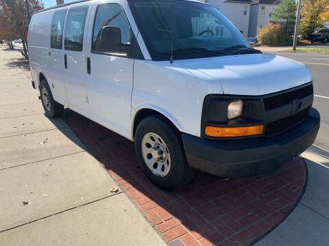 2009 Chevrolet Express Cargo for sale at Viscuso Motors in Hamden CT