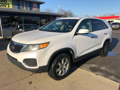 2011 Kia Sorento for sale at Wise Investments Auto Sales in Sellersburg IN