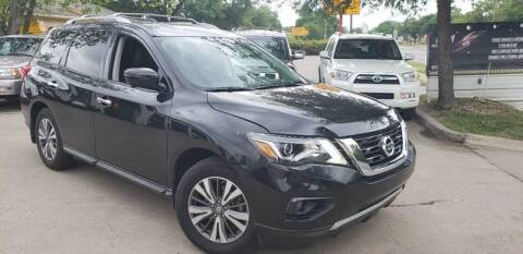 2017 Nissan Pathfinder for sale at Bad Credit Call Fadi in Dallas TX