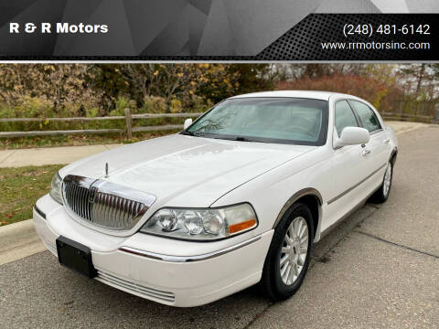 2004 Lincoln Town Car for sale at R & R Motors in Waterford MI