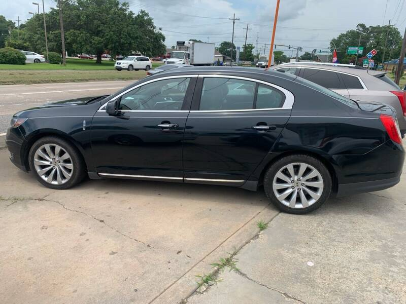2014 Lincoln MKS for sale at Uncle Ronnie's Auto LLC in Houma LA