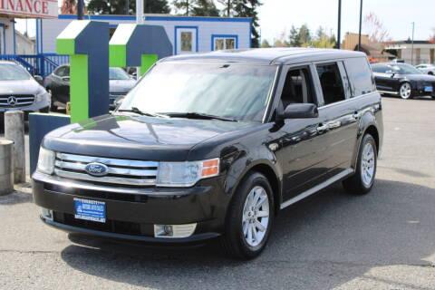 2011 Ford Flex for sale at BAYSIDE AUTO SALES in Everett WA