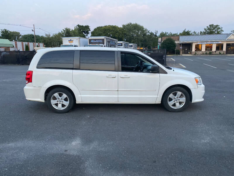 2013 Dodge Grand Caravan for sale at BT Mobility LLC in Wrightstown NJ
