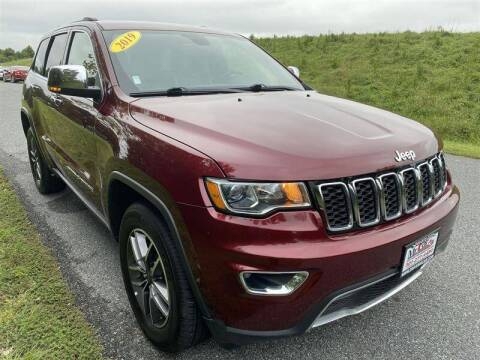 2019 Jeep Grand Cherokee for sale at Mr. Car City in Brentwood MD