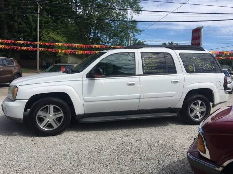 2005 Chevrolet TrailBlazer EXT for sale at Antique Motors in Plymouth IN