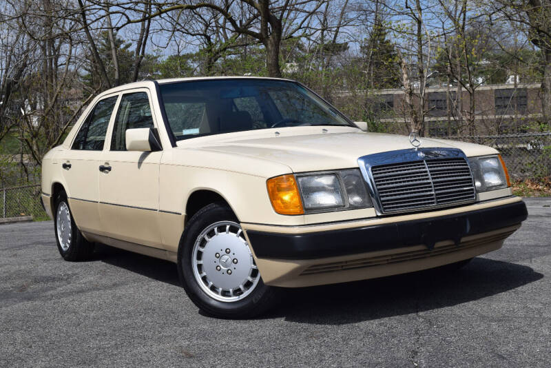 1990 Mercedes-Benz 300-Class for sale at Bill Dovell Motor Car in Columbus OH