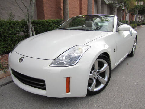2009 Nissan 350Z for sale at FLORIDACARSTOGO in West Palm Beach FL