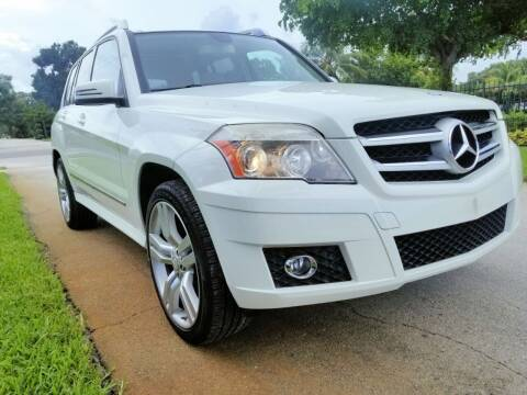 2012 Mercedes-Benz GLK for sale at M.D.V. INTERNATIONAL AUTO CORP in Fort Lauderdale FL