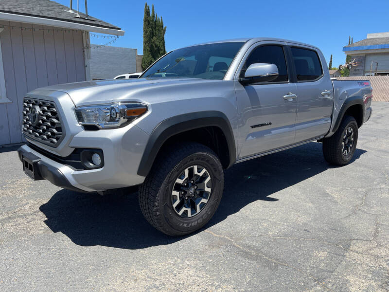 2020 Toyota Tacoma for sale at Cars 2 Go in Clovis CA