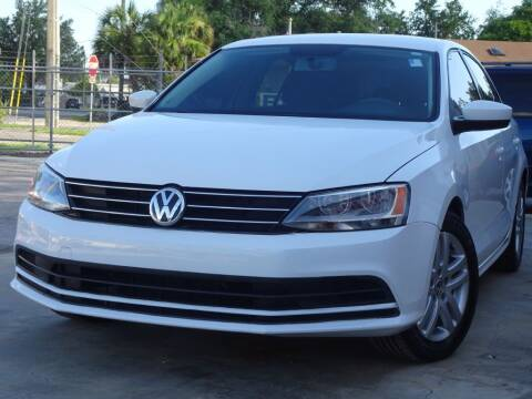 2015 Volkswagen Jetta for sale at Deal Maker of Gainesville in Gainesville FL