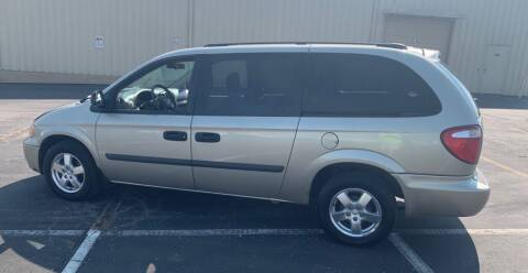 2005 Dodge Grand Caravan for sale at In Motion Sales LLC in Olathe KS