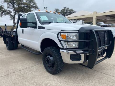 2015 Ford F-350 Super Duty for sale at Thornhill Motor Company in Hudson Oaks, TX