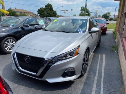 2019 Nissan Altima for sale at Santa Motors Inc in Rochester NY