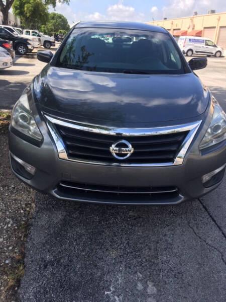 2014 Nissan Altima for sale at Auto Credit & Finance Corp. in Miami FL