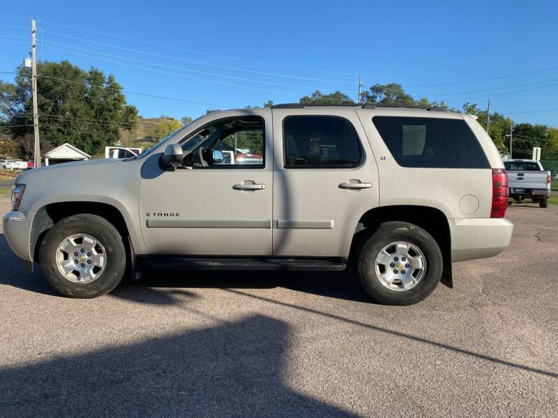 2008 Chevrolet Tahoe for sale at RIVERSIDE AUTO SALES in Sioux City IA
