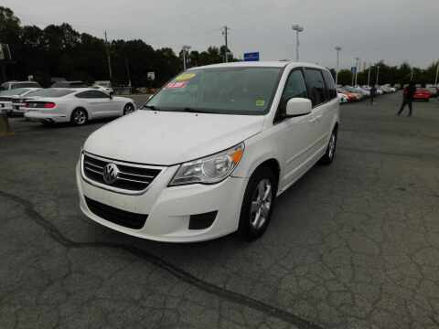 2010 Volkswagen Routan for sale at Paniagua Auto Mall in Dalton GA
