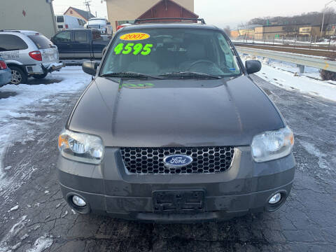 2007 Ford Escape for sale at Discovery Auto Sales in New Lenox IL