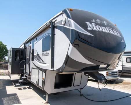 2015 Keystone Montana High Country HM343RL for sale at GQC AUTO SALES in San Bernardino CA
