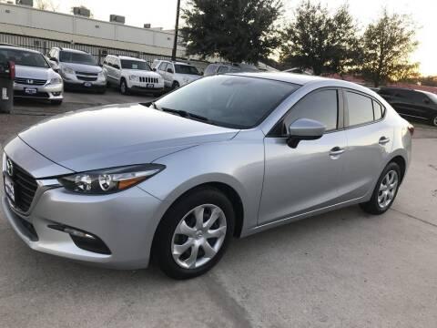 2018 Mazda MAZDA3 for sale at AMIGO USED CARS in Houston TX