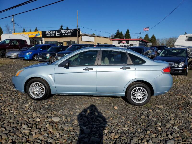 2009 Ford Focus for sale at Ron's Auto Sales in Hillsboro OR