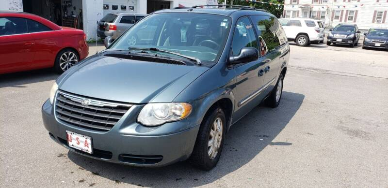 2006 Chrysler Town and Country for sale at Union Street Auto in Manchester NH