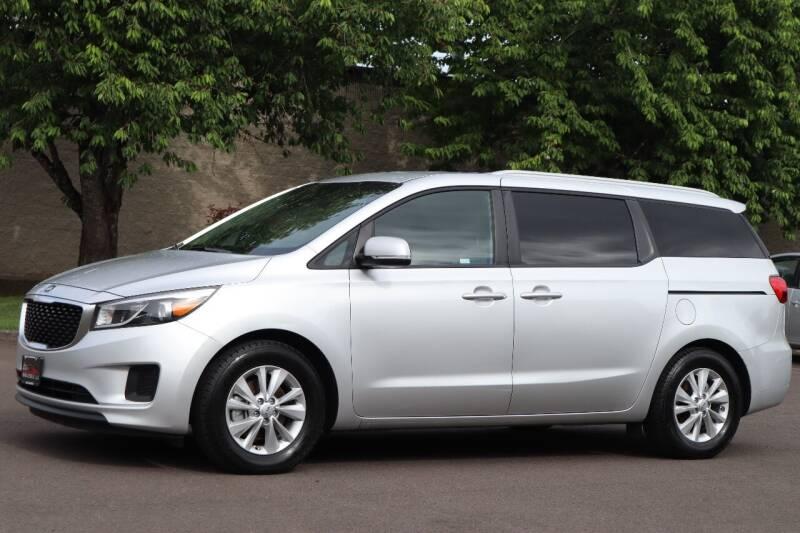 2015 Kia Sedona for sale at Beaverton Auto Wholesale LLC in Hillsboro OR