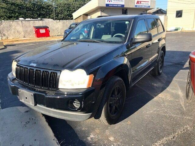2005 Jeep Grand Cherokee for sale at RT Auto Center in Quincy IL