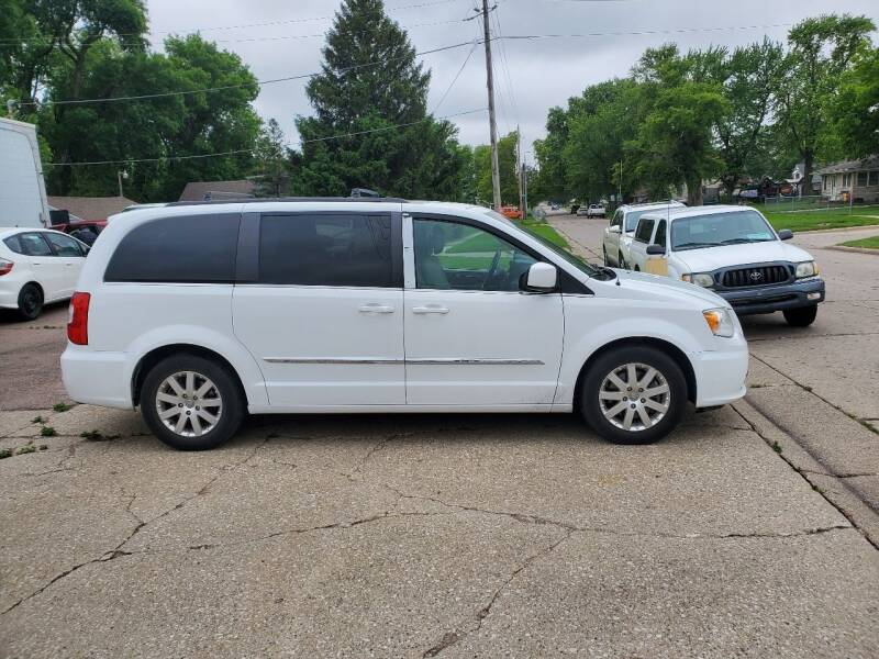 2014 Chrysler Town and Country for sale at RIVERSIDE AUTO SALES in Sioux City IA