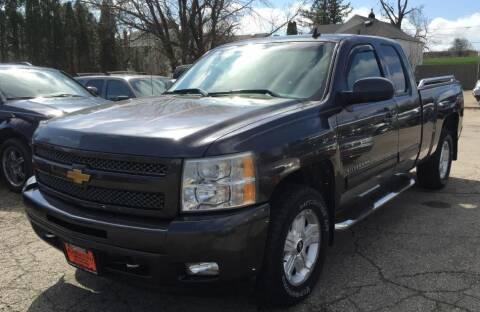 2010 Chevrolet Silverado 1500 for sale at Knowlton Motors, Inc. in Freeport IL