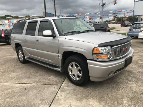 2005 GMC Yukon XL for sale at AMERICAN AUTO COMPANY in Beaumont TX