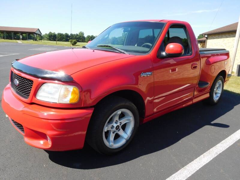 2000 Ford F-150 SVT Lightning for sale at WESTERN RESERVE AUTO SALES in Beloit OH