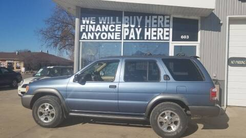 2000 Nissan Pathfinder for sale at STERLING MOTORS in Watertown SD