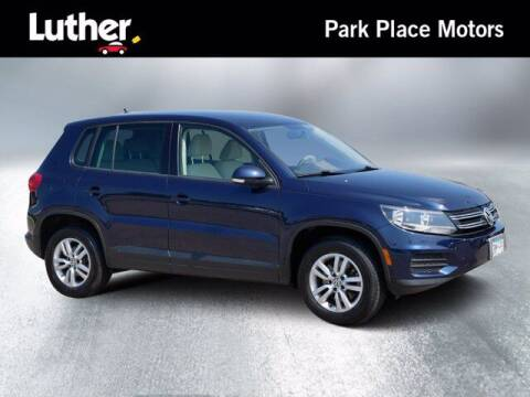 2012 Volkswagen Tiguan for sale at Park Place Motor Cars in Rochester MN