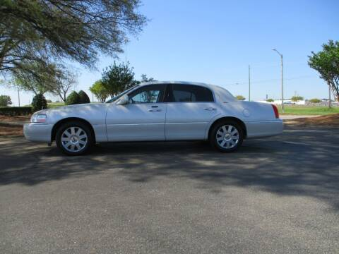 2004 Lincoln Town Car for sale at A & P Automotive in Montgomery AL