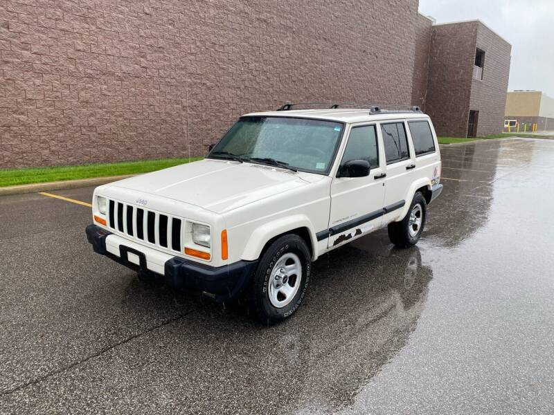 2000 Jeep Cherokee for sale at JE Autoworks LLC in Willoughby OH