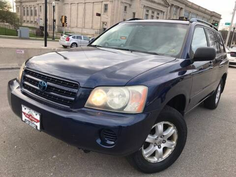 2003 Toyota Highlander for sale at Your Car Source in Kenosha WI