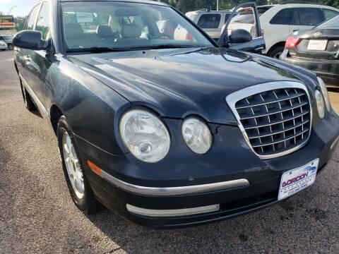 2004 Kia Amanti for sale at Gordon Auto Sales LLC in Sioux City IA