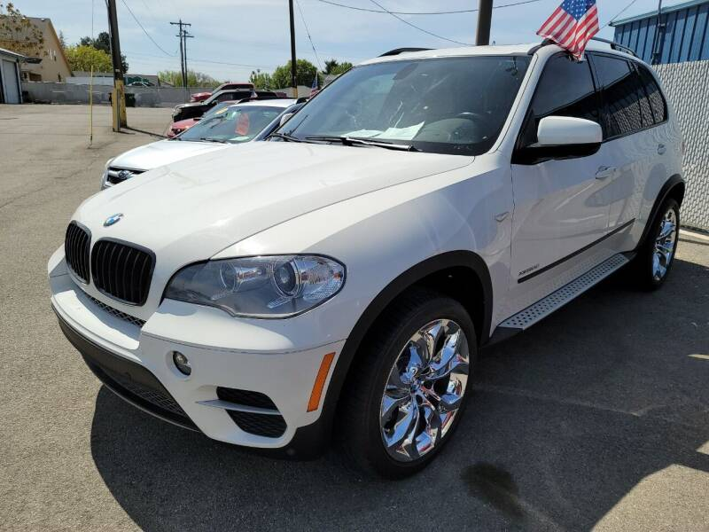 2013 BMW X5 for sale at Artistic Auto Group, LLC in Kennewick WA