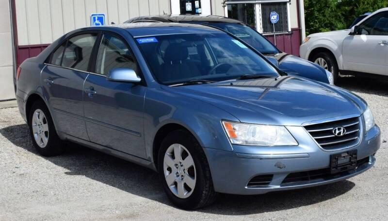 2010 Hyundai Sonata for sale at PINNACLE ROAD AUTOMOTIVE LLC in Moraine OH