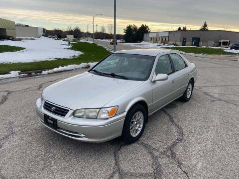 2001 Toyota Camry for sale at JE Autoworks LLC in Willoughby OH