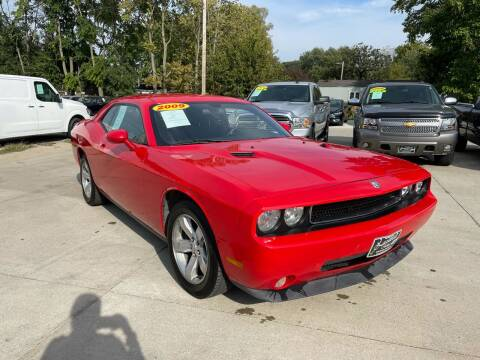 2009 Dodge Challenger for sale at Zacatecas Motors Corp in Des Moines IA