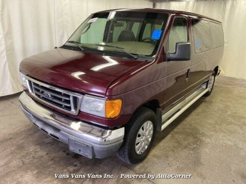2004 Ford E-Series Wagon for sale at Vans Vans Vans INC in Blauvelt NY