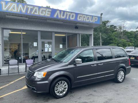 2015 Chrysler Town and Country for sale at Vantage Auto Group in Brick NJ