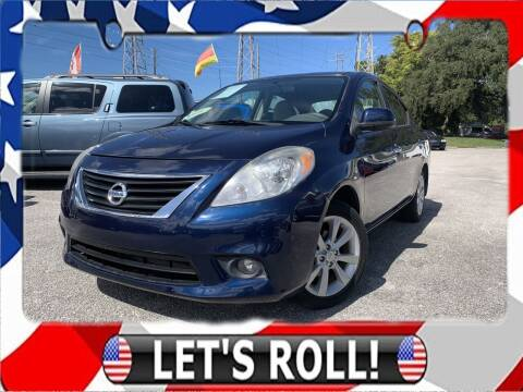 2014 Nissan Versa for sale at Das Autohaus Quality Used Cars in Clearwater FL
